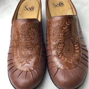 Sofft Embroidered Leather Upper Lined Mules Size 8